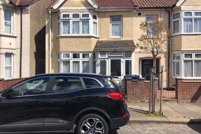 Thumbnail Flat to rent in Trinity Road, Southall