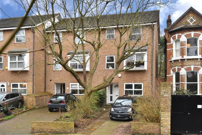 5 bed semi-detached house to rent in Crescent Way, London SE4