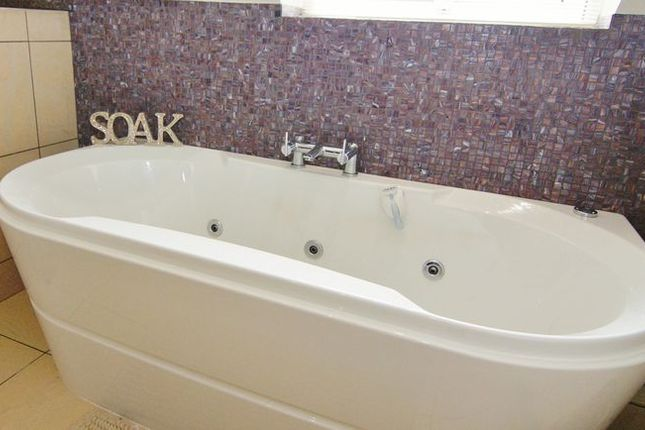 Bathroom of Blackpool Road, Newton, Preston PR4