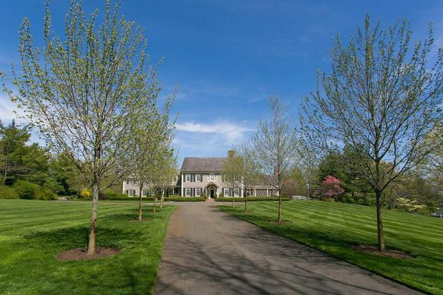 Thumbnail Property for sale in 449 Round Hill Road, Greenwich, Ct, 06831