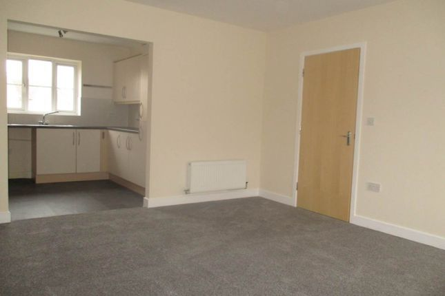 2 bed flat to rent in River Plate Road, Exeter, Devon