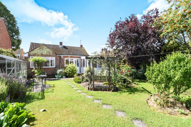 3 bed detached bungalow for sale in Blackthorn Road, Kenilworth