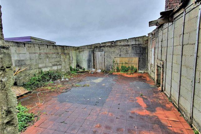 Former Garage of Indian Queens, St. Columb TR9