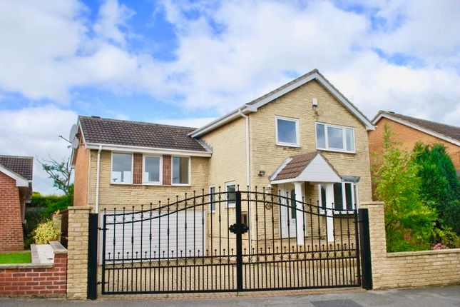 Thumbnail Detached house to rent in Wharfedale Road, Pogmoor