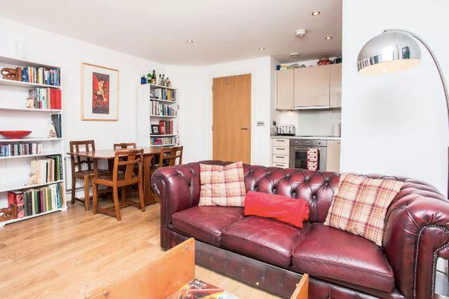 1 bed flat to rent in Aqua Vista Square, London