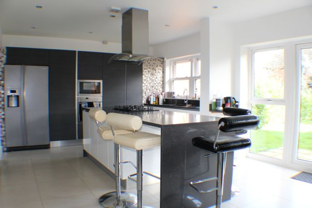 Thumbnail Semi-detached house to rent in Cornwall Rad, Cheam