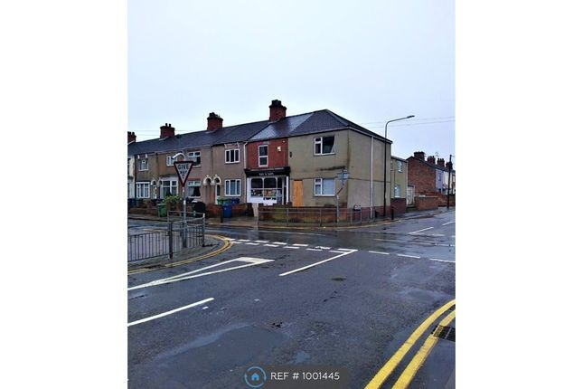 2 bed flat to rent in Welholme Road, Grimsby DN32