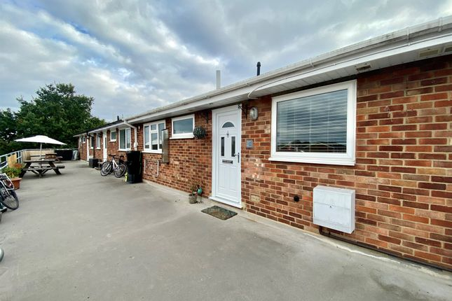 2 bed flat for sale in Rookery Place, Fenstanton, Huntingdon PE28