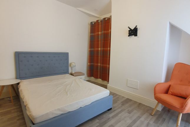 Thumbnail Shared accommodation to rent in Hawthorne Road, Liverpool