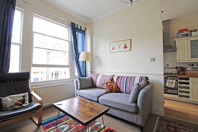 Thumbnail Flat to rent in Gladsmuir Road, Highgate, London