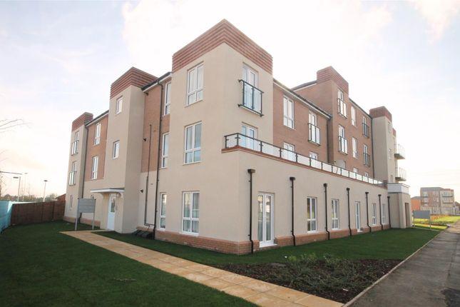 Thumbnail Flat to rent in John Fitzjohn Avenue, Aylesbury