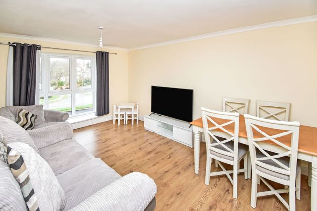 Lounge of Moorfoot Avenue, Paisley PA2