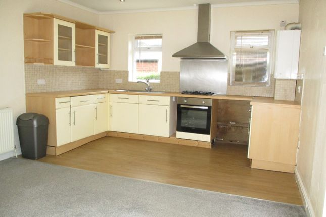 Thumbnail Bungalow to rent in Nottingham Road, Stapleford