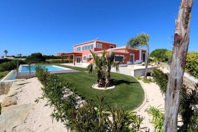 4 bed villa for sale in Luz, Vila Do Bispo, Portugal