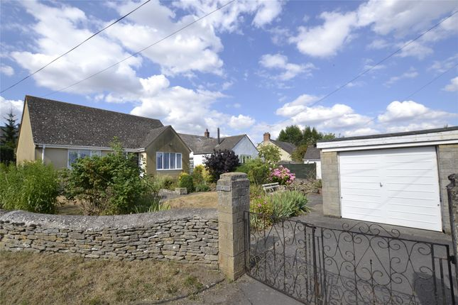 Thumbnail Detached bungalow for sale in Moorland Road, Witney, Oxfordshire