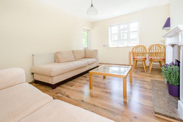 Thumbnail Flat to rent in Kelfield Gardens, North Kensington