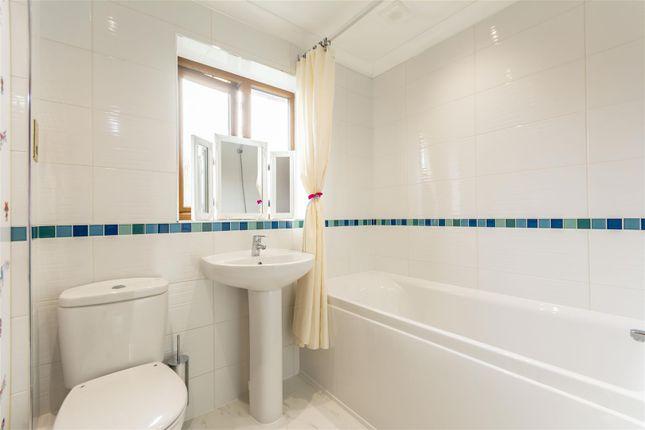 Bathroom of Broad Valley Drive, Bestwood Village, Nottingham NG6
