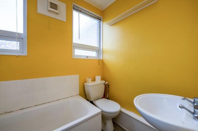 Bathroom of Gruneisen Road, Portsmouth PO2