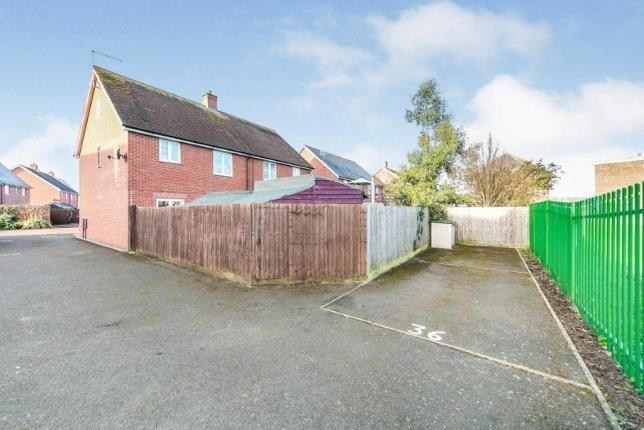 Parking of Robertson Close, Clacton-On-Sea CO15