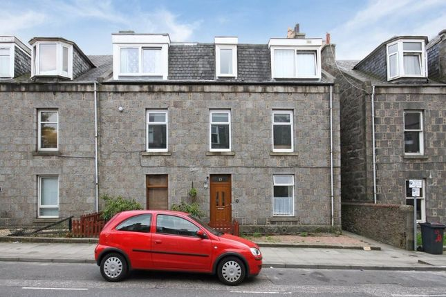 Thumbnail Flat to rent in Lamond Place, City Centre, Aberdeen