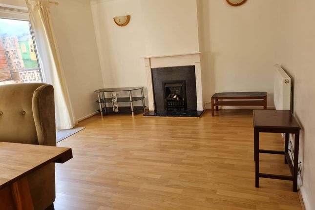 3 bed terraced house to rent in Grosvenor Sq, Birmingham B28