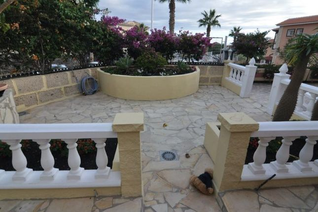 Thumbnail Villa for sale in Adeje, La Capitana, Spain