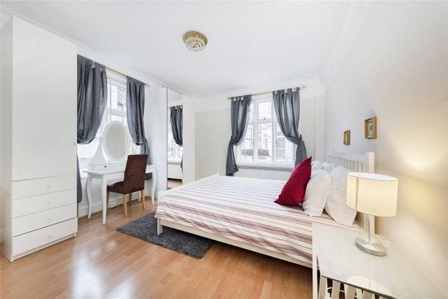 Bedroom of Chesterfield House, Chesterfield Gardens, Mayfair, London W1J