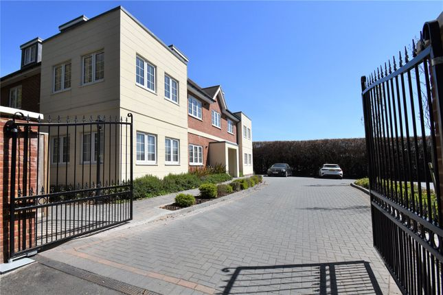 Thumbnail Flat for sale in Shaw Hill, Shaw, Newbury