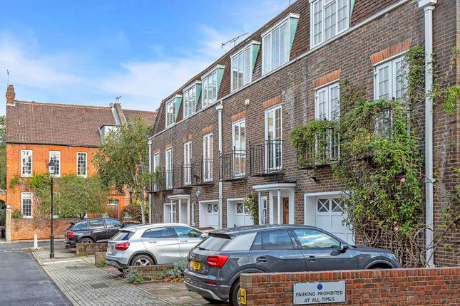 Thumbnail Property to rent in St Mary Abbots Terrace, Kensington, London