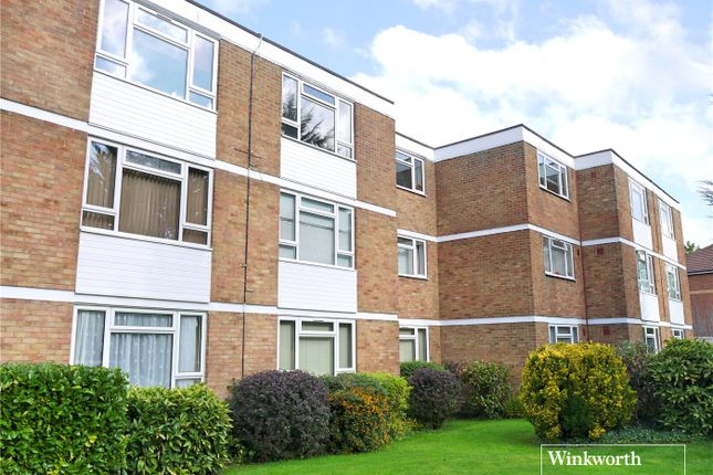 Thumbnail Flat to rent in Holt Close, Elstree, Hertfordshire