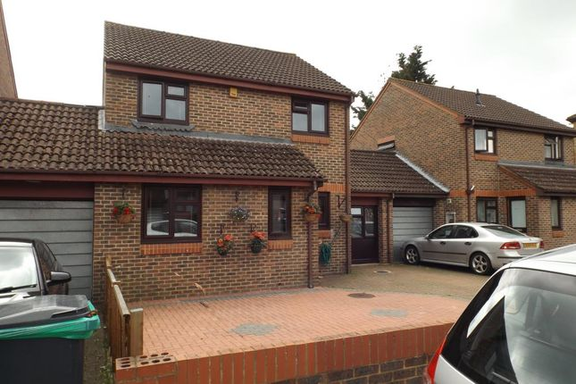 Thumbnail Link-detached house to rent in Hull Close, Cippenham, Slough