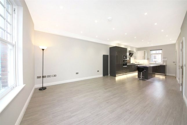 Maisonette for sale in Church Street, Croydon