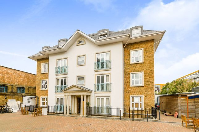 Thumbnail Flat to rent in High Street, London, Hornsey