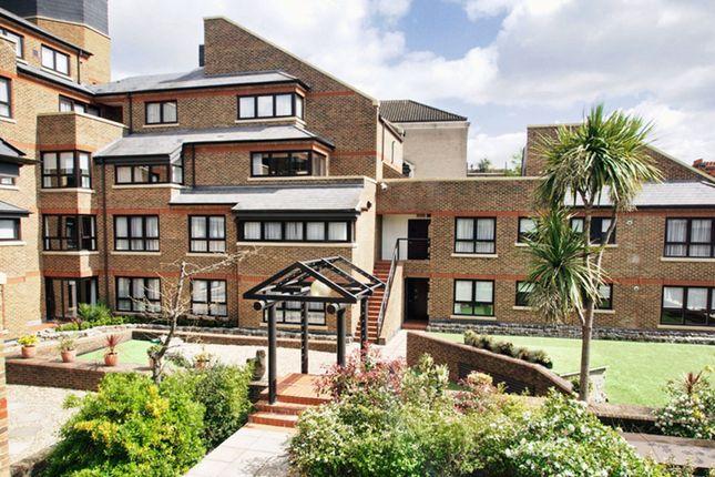 Thumbnail Flat to rent in Monarch House, High Street Kensington, London