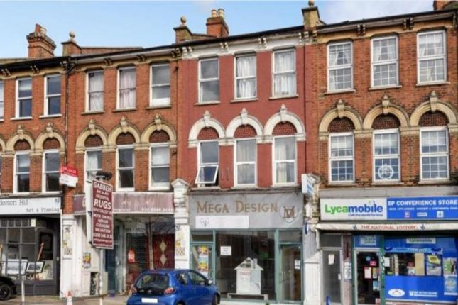 Thumbnail Flat to rent in Brough Close, Richmond Road, Kingston Upon Thames