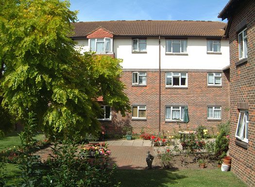 Thumbnail Flat to rent in Freshbrook Court, Freshbrook Road, Lancing, West Sussex