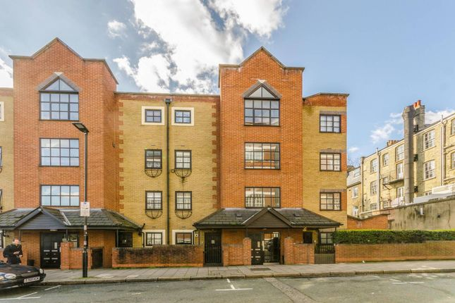 Thumbnail Flat for sale in Pine Street, Finsbury, London