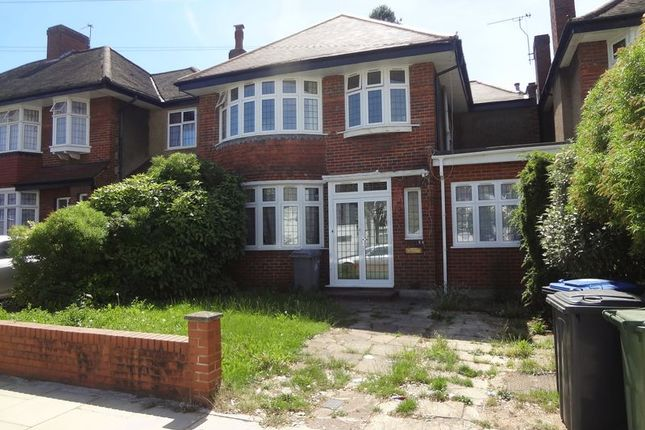 Thumbnail Property to rent in Donnington Road, Kenton, Harrow