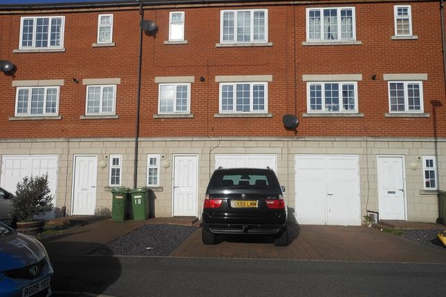 Thumbnail Town house to rent in Patrick Street Mews, Grimsby