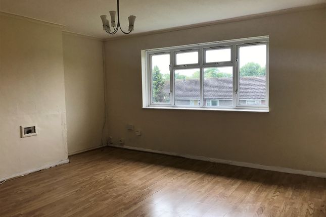 Thumbnail Flat to rent in Hutchinson Court, Padnall Road, Romford, Greater London
