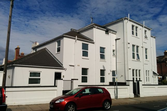 Thumbnail Flat to rent in Corner Apartments, St Andrews Road