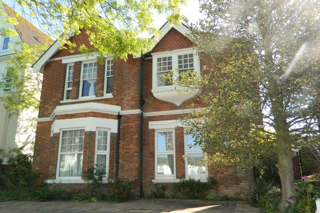 Thumbnail Flat to rent in Upper Sea Road, Bexhill-On-Sea