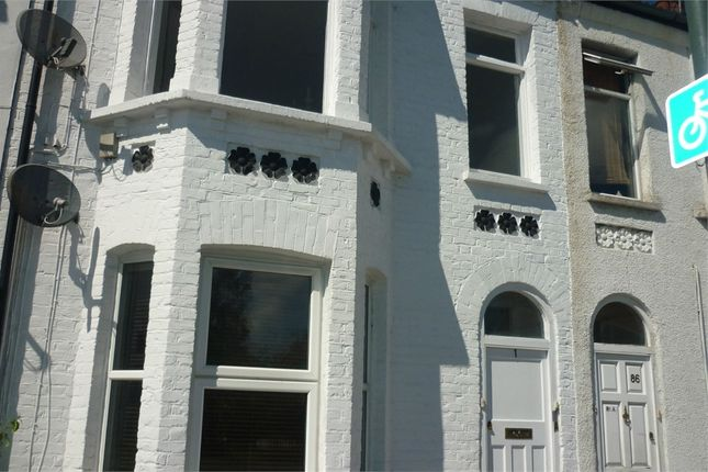Thumbnail Flat to rent in Abbey Road, Belvedere, Kent