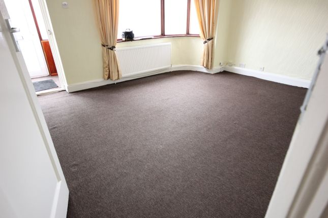 Thumbnail Detached bungalow to rent in Winston Avenue, Kingsbury