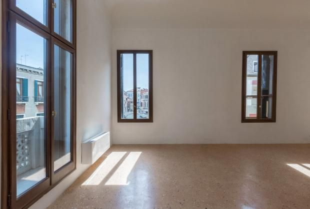 Thumbnail Apartment for sale in Saoner, Palazzo Vendramin, Cannaregio, Venice, Italy