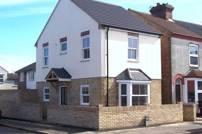 Thumbnail Detached house to rent in Cater Street, Kempston, Bedford