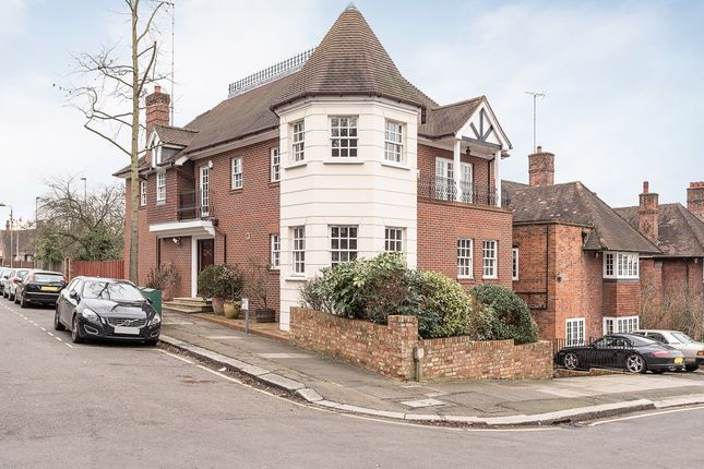 Thumbnail Property to rent in Lyndale Avenue, London