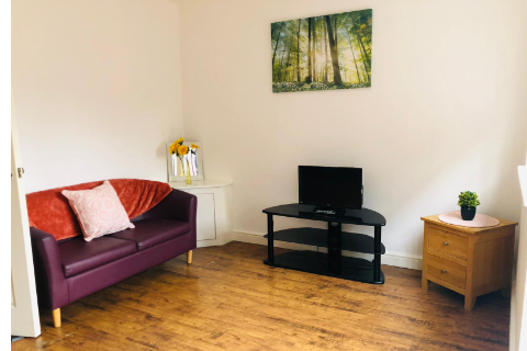 2 bed terraced house to rent in Alie Street, London E1