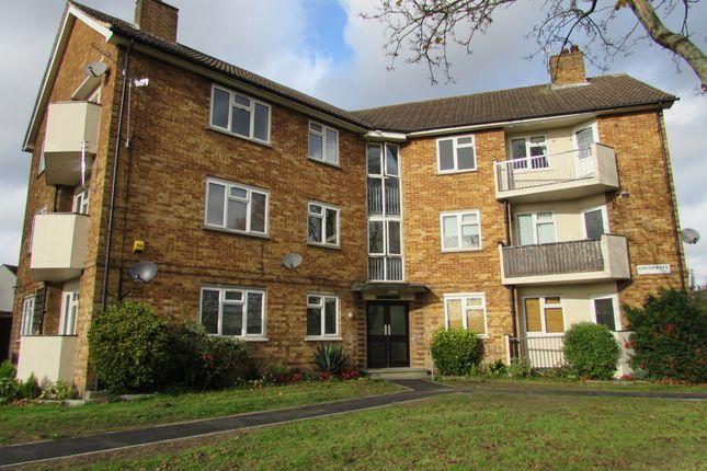 Thumbnail Flat to rent in Lower Alderton Hall Lane, Loughton