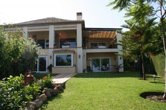 5 bed villa for sale in Spain, Málaga, Marbella, Nueva Andalucía